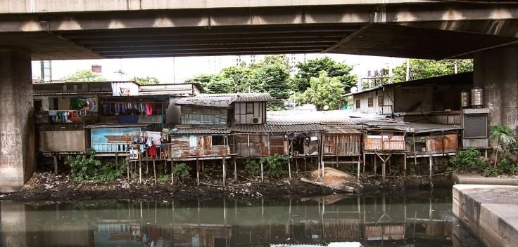 klong_toey_slum_bangkok.jpg